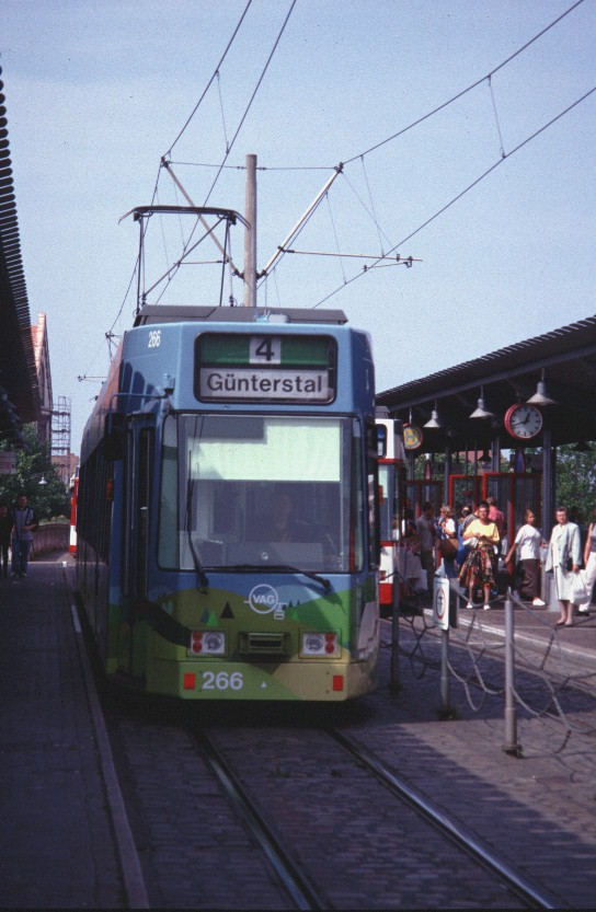 Tramway 266 à Fribourg (Allemagne) (04/09/1999)
