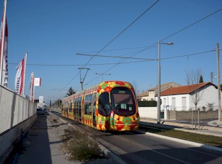 Une voie mixte tramway-automobile sur la RD 613. Photo : Edouard Paris le 21/02/2009