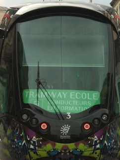 La rame 2073 Citadis 402 Alstom fait office de tramway �cole. Photo : Anje34 le 21/03/2012